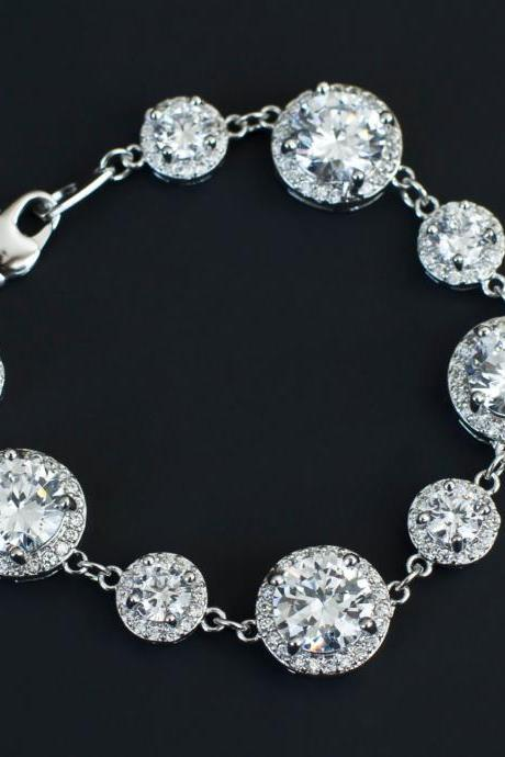 Bridal Bracelet,Cubic Zirconia Bridal Bracelet, Luxurious Bridal Wedding Jewelry, White Cubic Zirconia Bridal Bridesmaids Bracelet