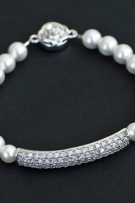 Bridal Bracelet, Bridal Pearl Bracelet, Bridesmaids Bracelet, White Swarovski Pearls and Cubic Zirconia Connector Bracelet,Wedding Jewelry,